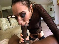 Horny MILF Enjoys A Nice Cock In Her Snatch & Creamy Cumshot