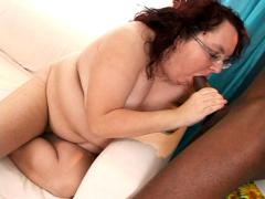 Very fat mom getting massive facial after a nice blowjob